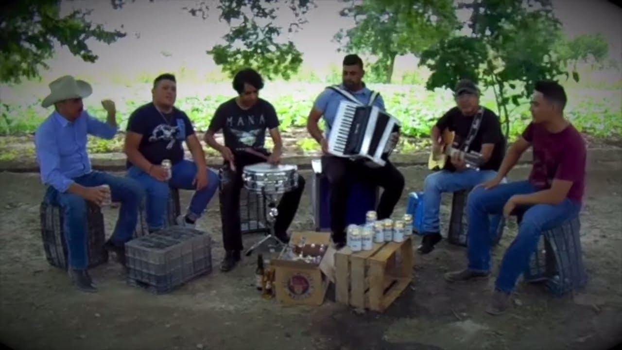 Los Grey's - En Una Cantina [Video Oficial]