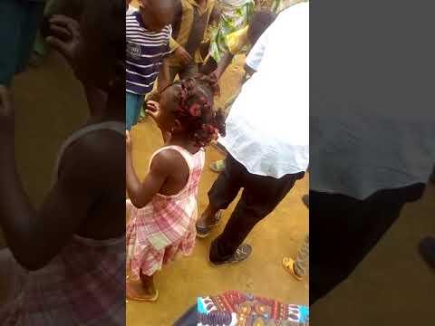 Danse Du Tchitcha Dans Le Village Bazou Dans L'ouest Du Cameroun
