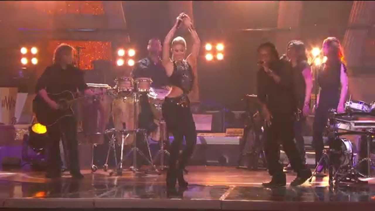 Shakira - Hips Don't Lie (Live In Concert El Dorado)