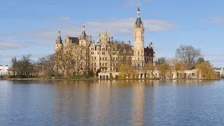 Schwerin, Germany: Schweriner Schloss (Schwerin Palace), Schlossinsel - 4K Video Photo(Video Image 4K Channels: http://www.videoimage4k.com Videobilder Channels: http://www.videobilder.eu Recording date: 03-2015 Camera: Panasonic Lumix ..., 2015-04-16T18:15:16.000Z)