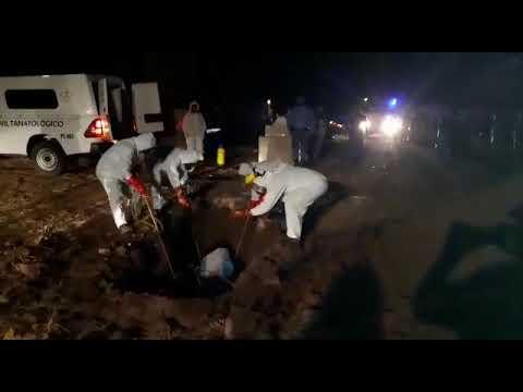 Emotivo entierro al subcomisario Pogonza en Chaco, víctima del Covid19