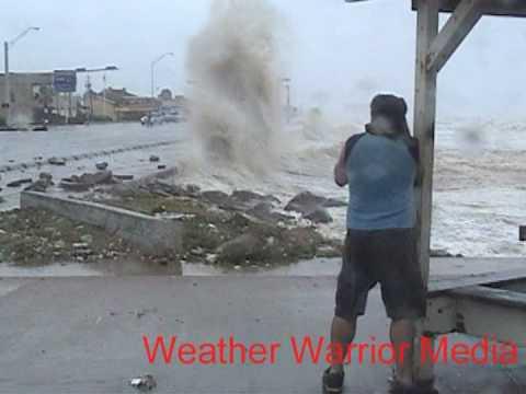 Hurricane Ike Galveston, Texas Seawall Video