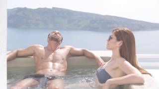 Enjoy the breathtaking caldera views from Esperas Hotel Santorini