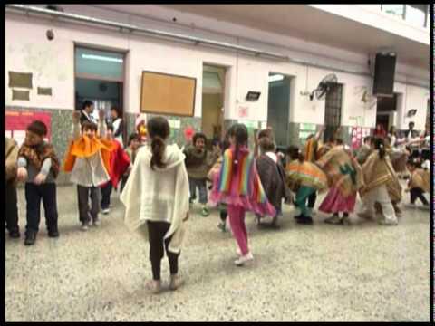 Morena baila el Pala Palá Pulpero en Escuela Dominguito