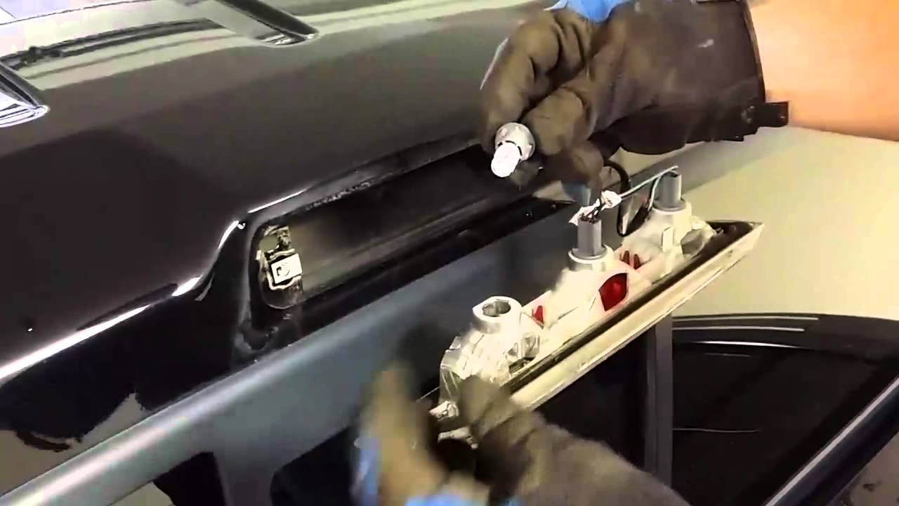 how to remove ford f150 third brake light and cargo light