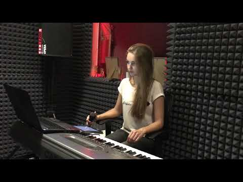 Kseniya Loginova - California dreaming (Sia cover)
