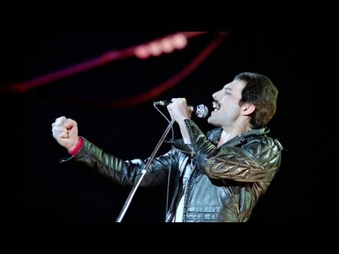 1. We Will Rock You (fast version) - Queen Live in Montreal 1981 [1080p HD Blu-Ray Mux]