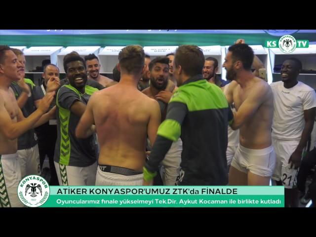 Oyuncularımız finale yükselmeyi Teknik Direktörümüz Aykut Kocaman ile birlikte kutladı