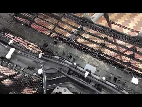Toyota Camry защитная сетка радиатора. Устанавливается в передний бампер и решётку радиатора