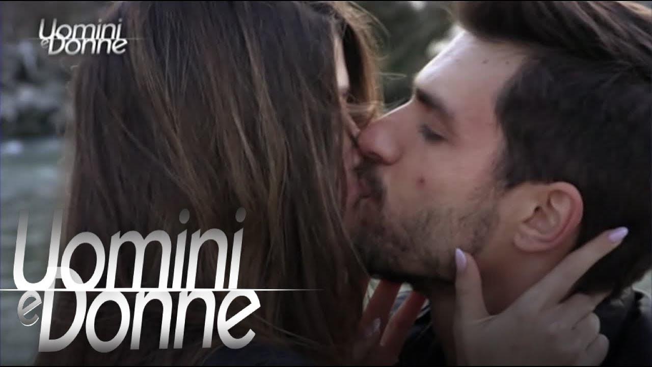 Uomini e Donne, Trono Classico - Esterna di Andrea e Natalia - YouTube