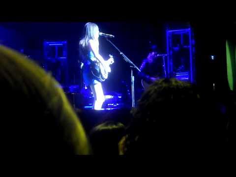 Kacey Musgraves Performing Stupid
