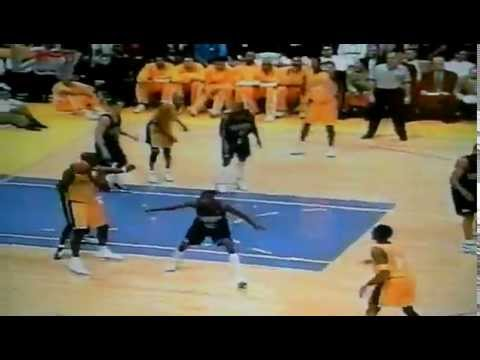 Kobe dunks on Raef LaFrentz