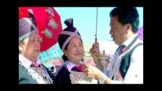 KOOS LOOS - TWO OLD HMONG LADIES WENT TO LAOS NEW YEAR 2014: IT IS VERY FUNNY