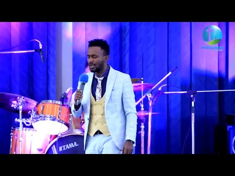 ዘማሪ ኤፍሬም አለሙ LIVE WORSHIP  || PRESENCE TV CHANNEL WORLD WIDE || WITH PROPHET SURAPHEL DEMISSIE ||