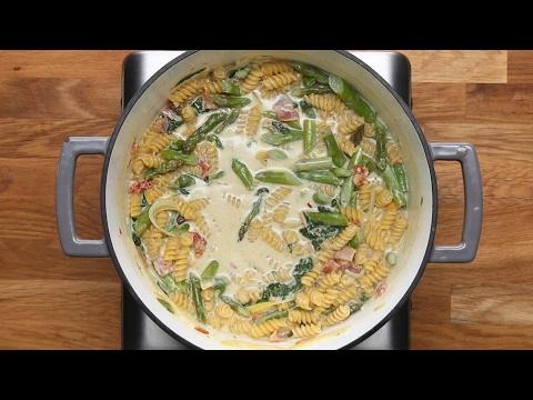 One-Pan Creamy Pesto Penne