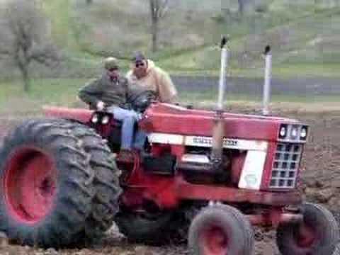 IH 1468 w/ Field Cultivator