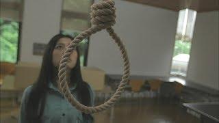 恐怖的女子宿舍,住进去的女孩都逃不过上吊的命运!