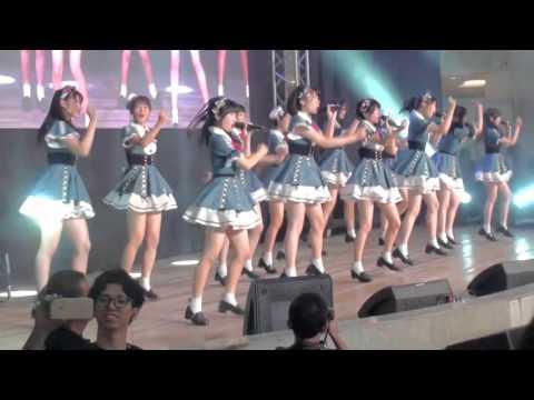 AKB48 Team 8 - Intro + Aitakatta (Live in Manila 11.08.2015)