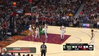 Cenas muito fortes: astro da NBA sofre fratura grave na quadra