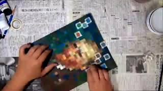 Amazonの段ボールに、フィンセント・ファン・ゴッホの自画像を、モザイ...