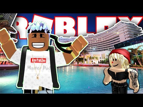 BUILDING MY OWN LUXURY HOTEL IN ROBLOX! EP.2