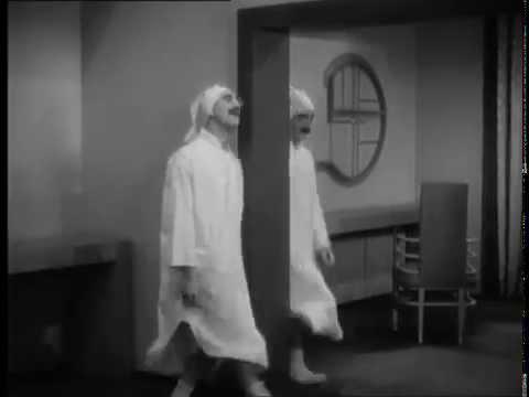 Duck Soup (Leo McCarey, 1933)