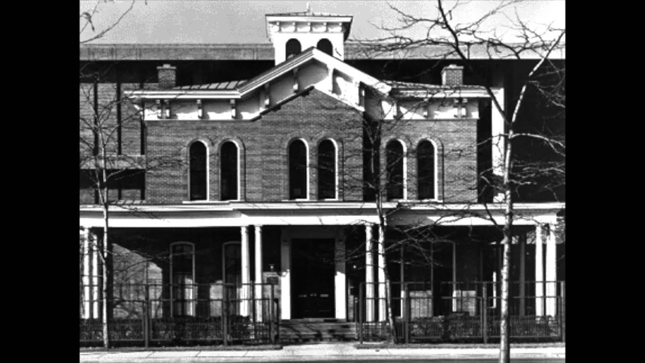 jane jacobs and the hull house 11102018 in 1889, jane addams and ellen starr founded hull house  this gave jane addams a population that needed her help when jane started hull house.
