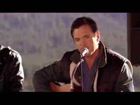 Nicholas Lea sings