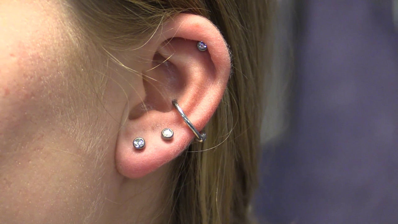 View How An Ear And Cartilage Piercing Can Be Reopened Youtube