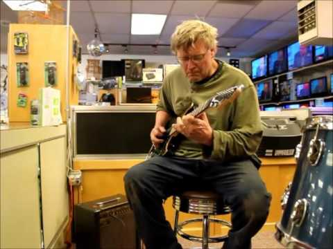 Mechanic Mike tests out a nice Limited series EXP green peavey