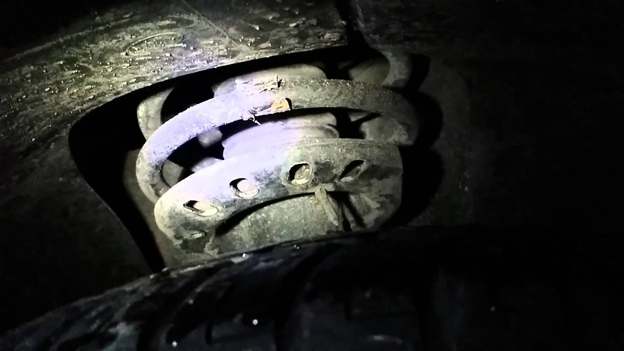 2006 Ford Taurus Se Bad Strut Bearing Youtube
