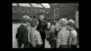 Norman Wisdom - NORMAN ON THE BEAT (1962) - classic chase sequence