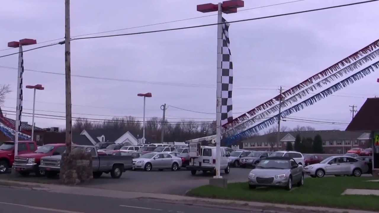 Car Lot With Rsb Streamers And Flags Youtube