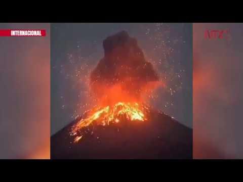el-volcán-krakatoa-hace-erupción-y-mantiene-actividad-constante