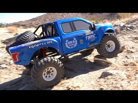 KiNG RAPTOR in the DESERT - NEW TRAIL: 1/8 scale FORD F150 BLUE & WHITE TRACTION HOBBY FOUNDER