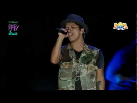 Bruno Mars - Talking To The Moon (Summer Soul Festival 2012)