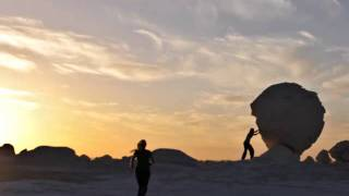 white Desert.wmv Thumbnail
