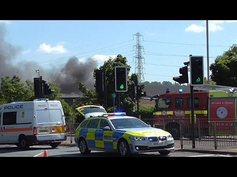 Serious Fire in North London - Emergency Vehicles Responding + on scene
