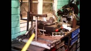 sierra caladora fabricada con restos de material DTU 2013