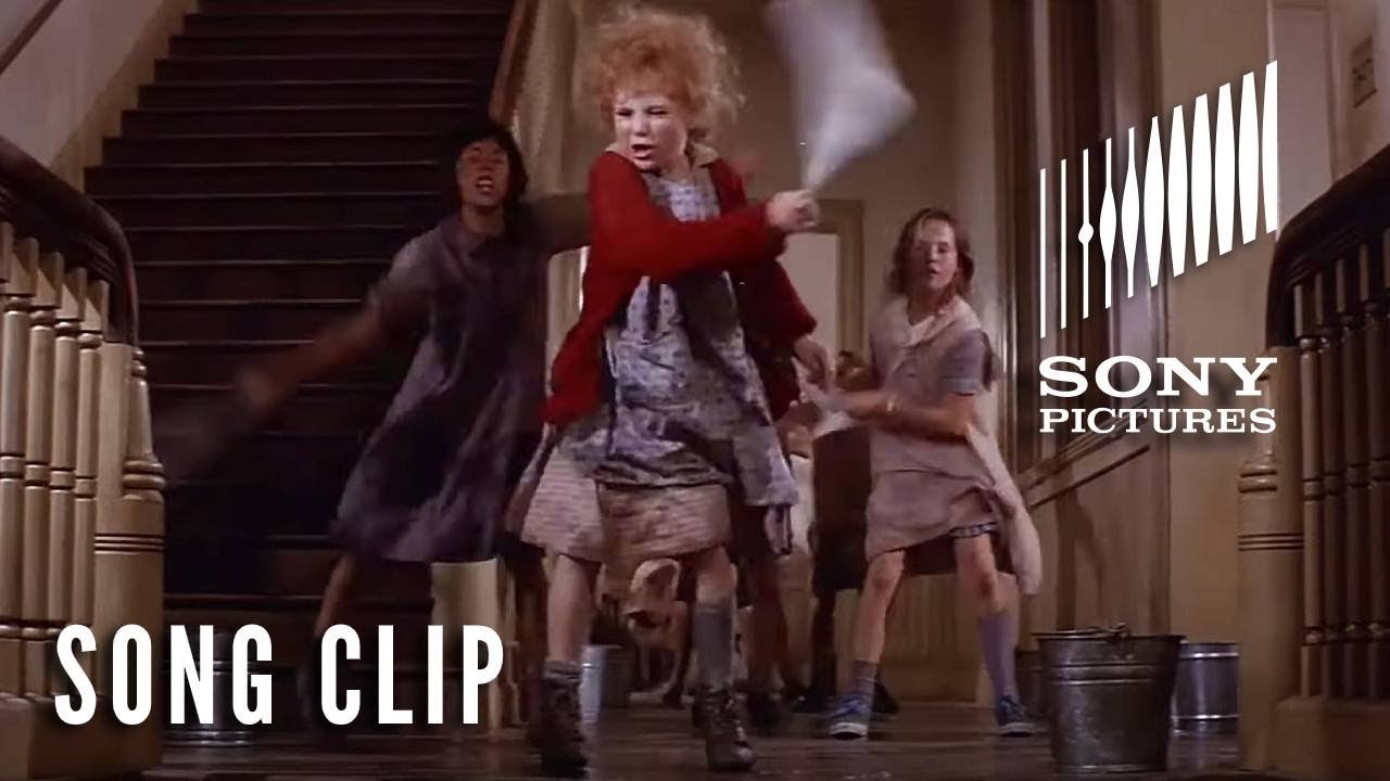 """Download ANNIE (1982) - """"It's The Hard Knock Life"""" Full Clip"""