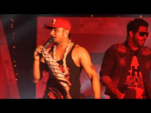 Yo Yo Honey Singh | Alfaaz | Money aujla Live performance at Dehradun..with awesome crowd.!