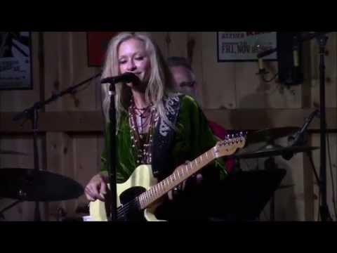 """Gotta Get Back""  Shelby Lynne @ Daryl's House 5/9/15"