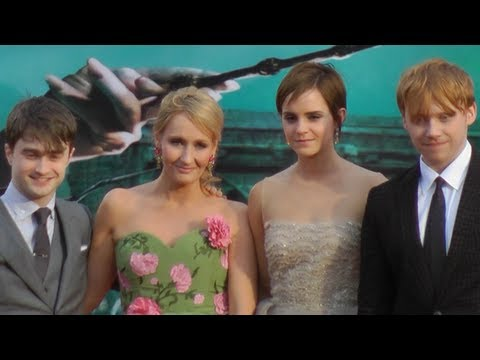 Harry Potter and the Deathly Hallows Part 2 Premiere London 2011 - Magical Omnibus