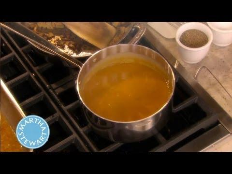 Basic Turkey Gravy | Thanksgiving Recipes |Martha Stewart