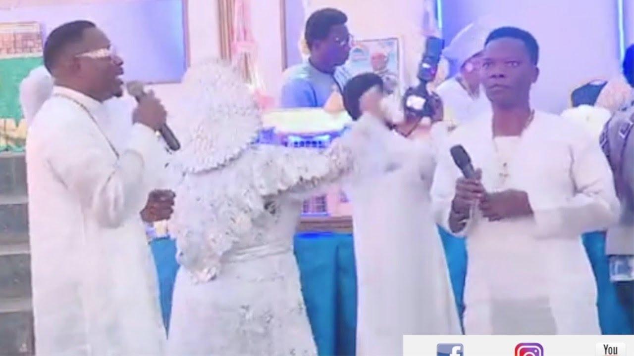 Download Alayo Melody Singer & Mega 99 sings together @ birthday program of Prophet Israel Oladele Genesis
