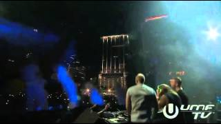 David Guetta   Showtek Booyah LIVE @ Miami