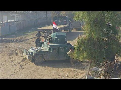 Irak güçleri Musul'da direnişle karşı karşıya