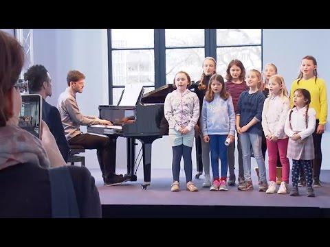 """Musical """"Evita"""": Kinder-Casting in der Staatsoper Hannover"""