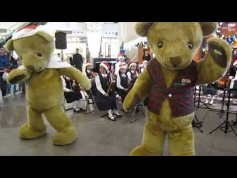 Wind-up giant Teddy Bears (costumes) for Christmas show