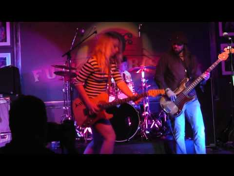 Samantha Fish - Black Wind Howlin' - Live At The Funky Biscuit 2014.